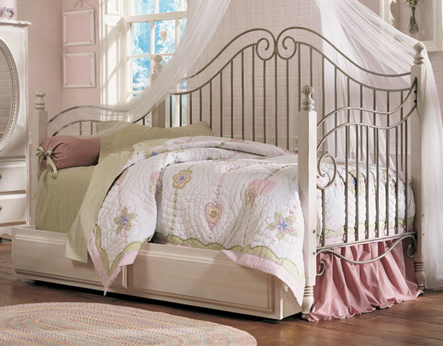 Daybed Bedding For Girls