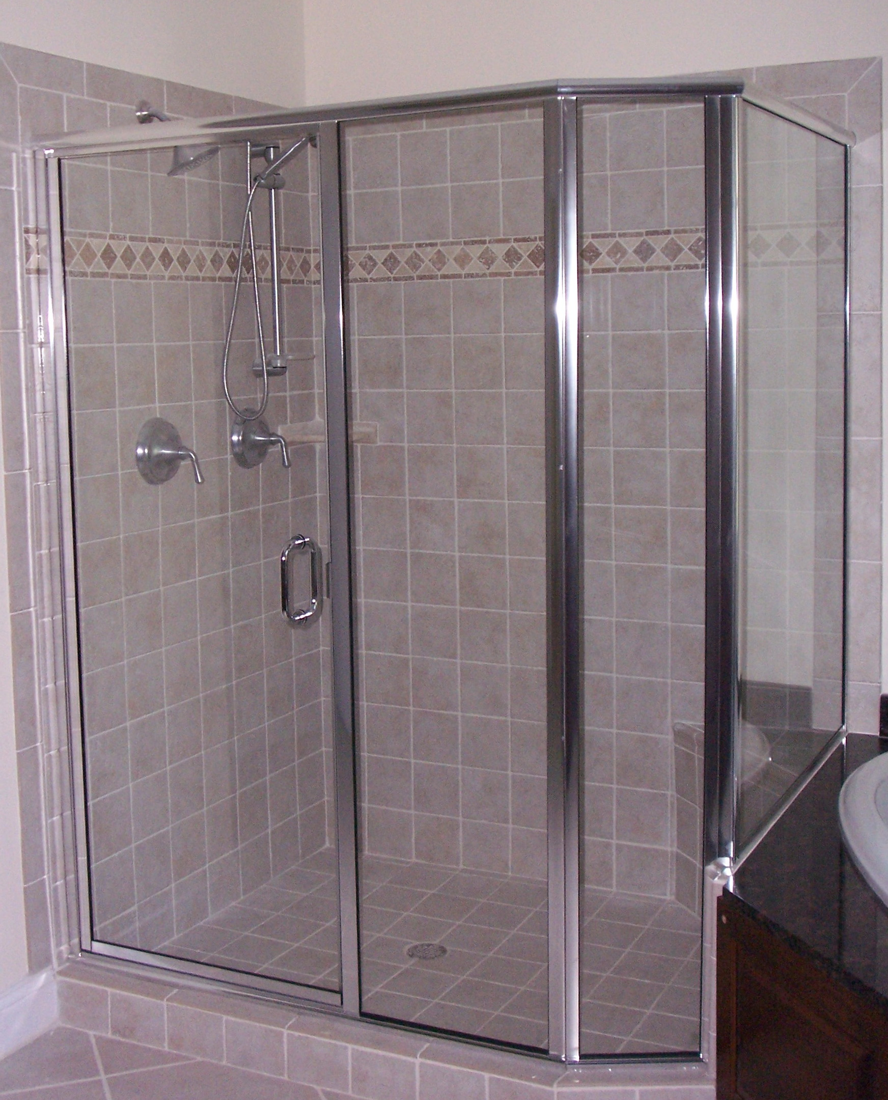 Frameless Shower Doors Vs Framed