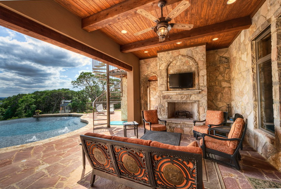 Hearth Pool And Patio