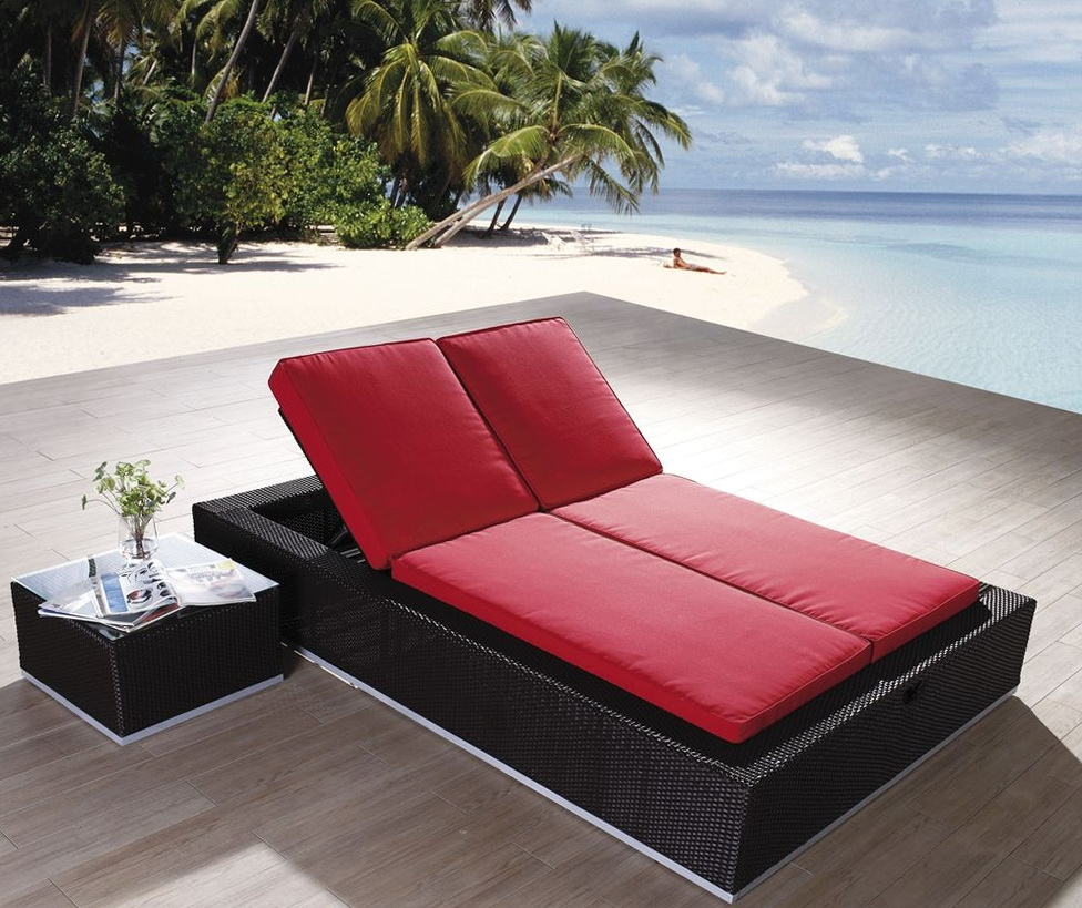 Luxury Pool Lounge Chairs