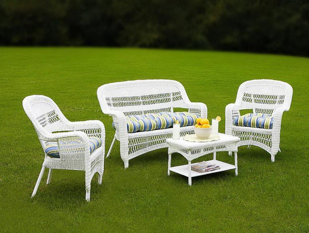 White Plastic Patio Furniture
