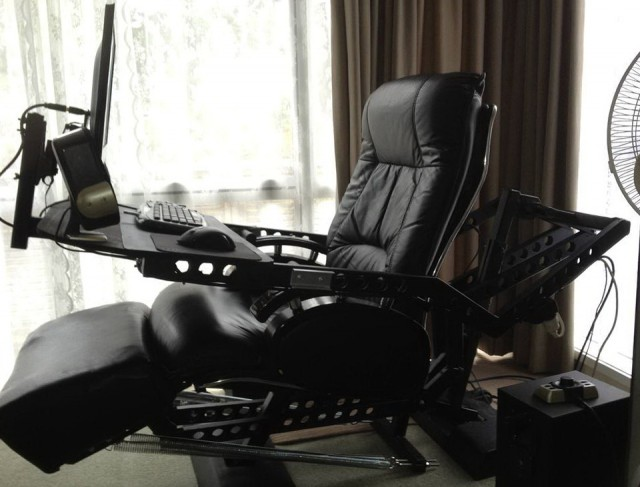 Computer Gaming Chair And Desk