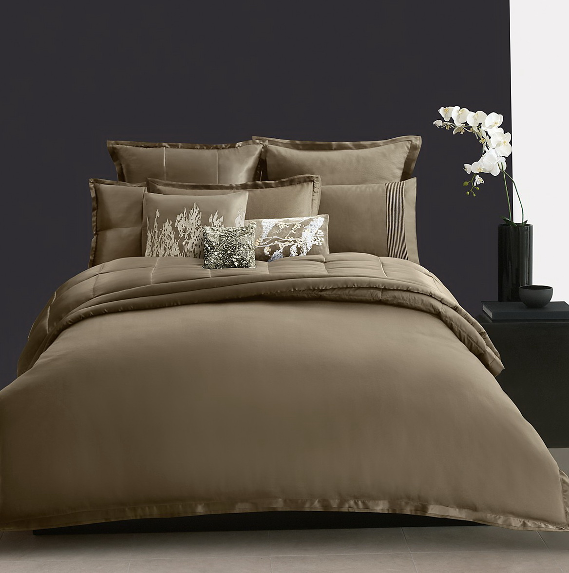 Donna Karan Bedding Modern Classics Gold Leaf Collection