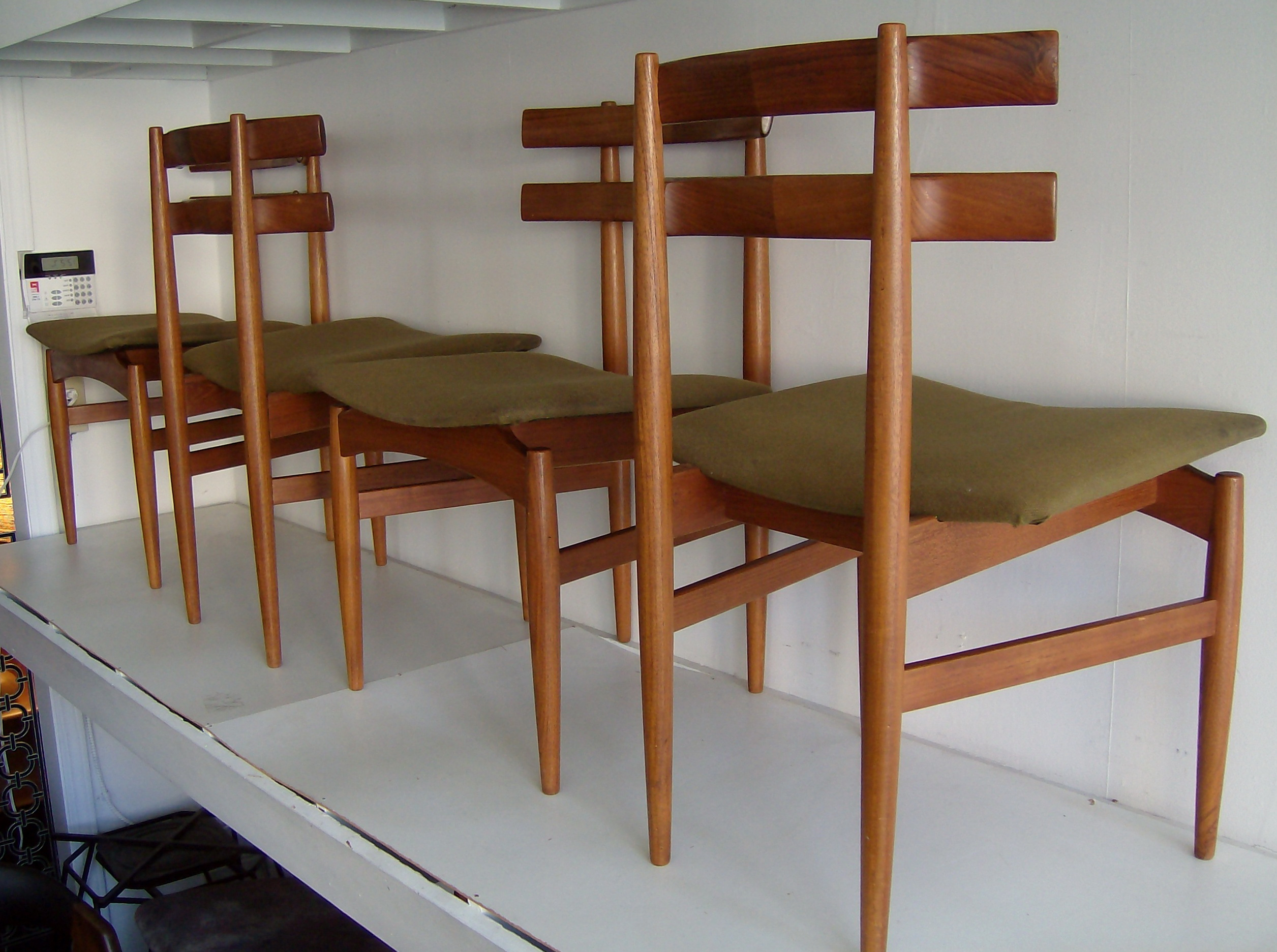 Famous Mid Century Modern Chairs