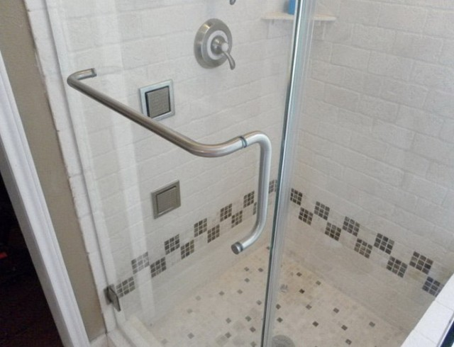 Glass Shower Door With Towel Bar