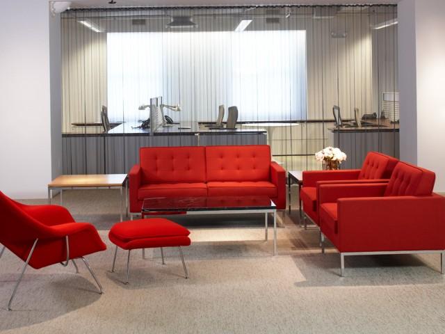 Florence Knoll Sofa Living Room