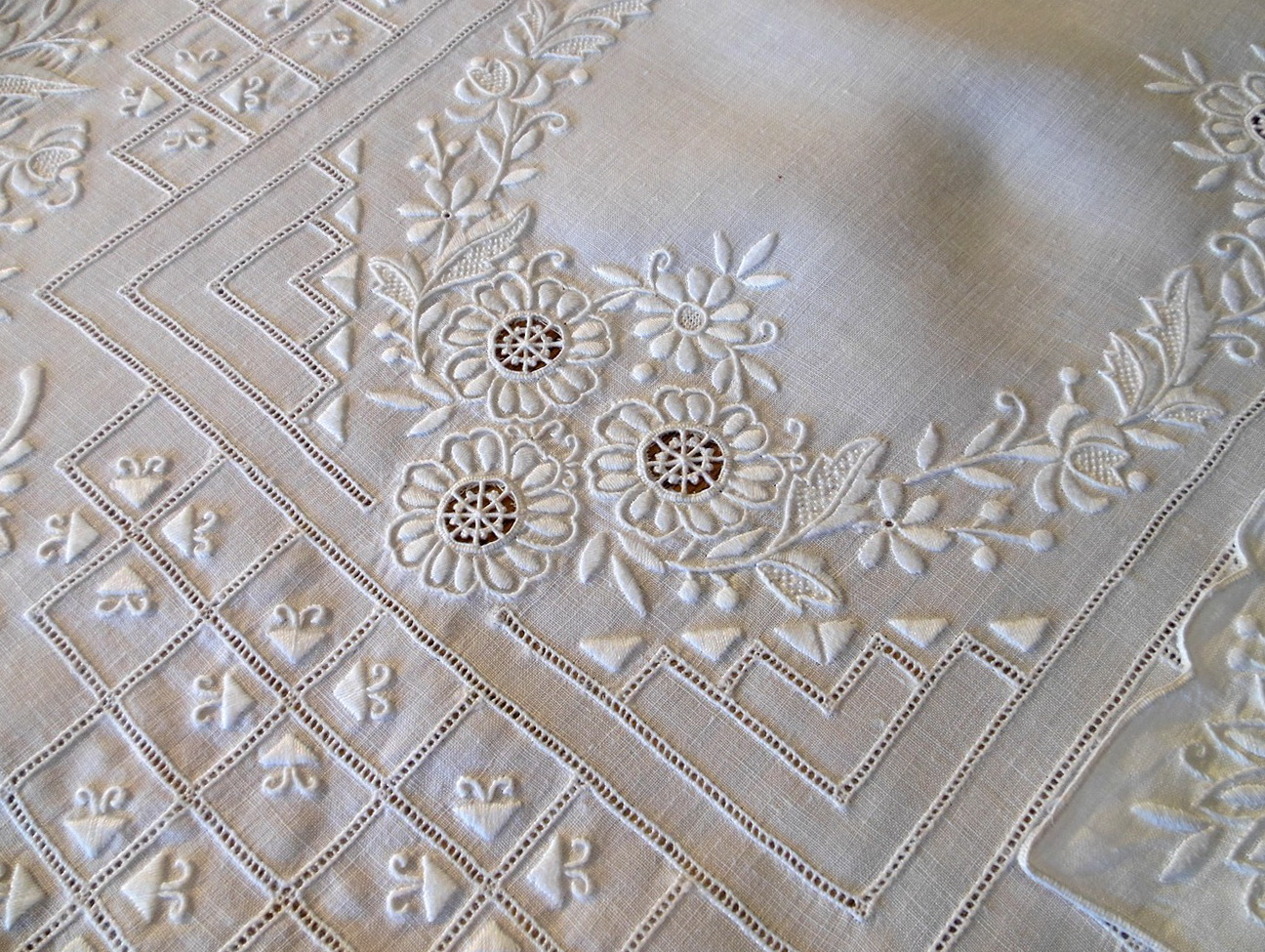 Embroidered Linen Table Runner