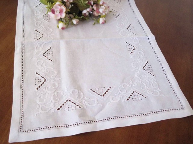 Linen Table Runners Australia