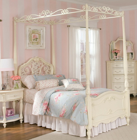 Four Poster Bed Canopy Ideas