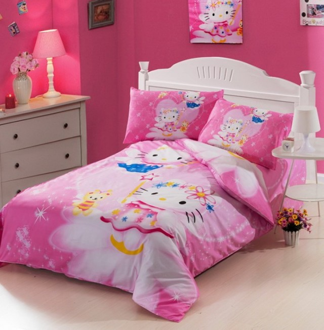 Hello Kitty Bed Set Full