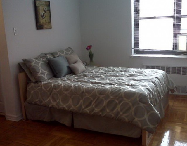 Ikea Malm Bed With Nightstands
