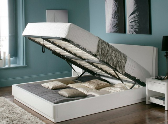 King Storage Bed White