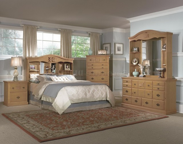 Knotty Pine Bedroom Furniture