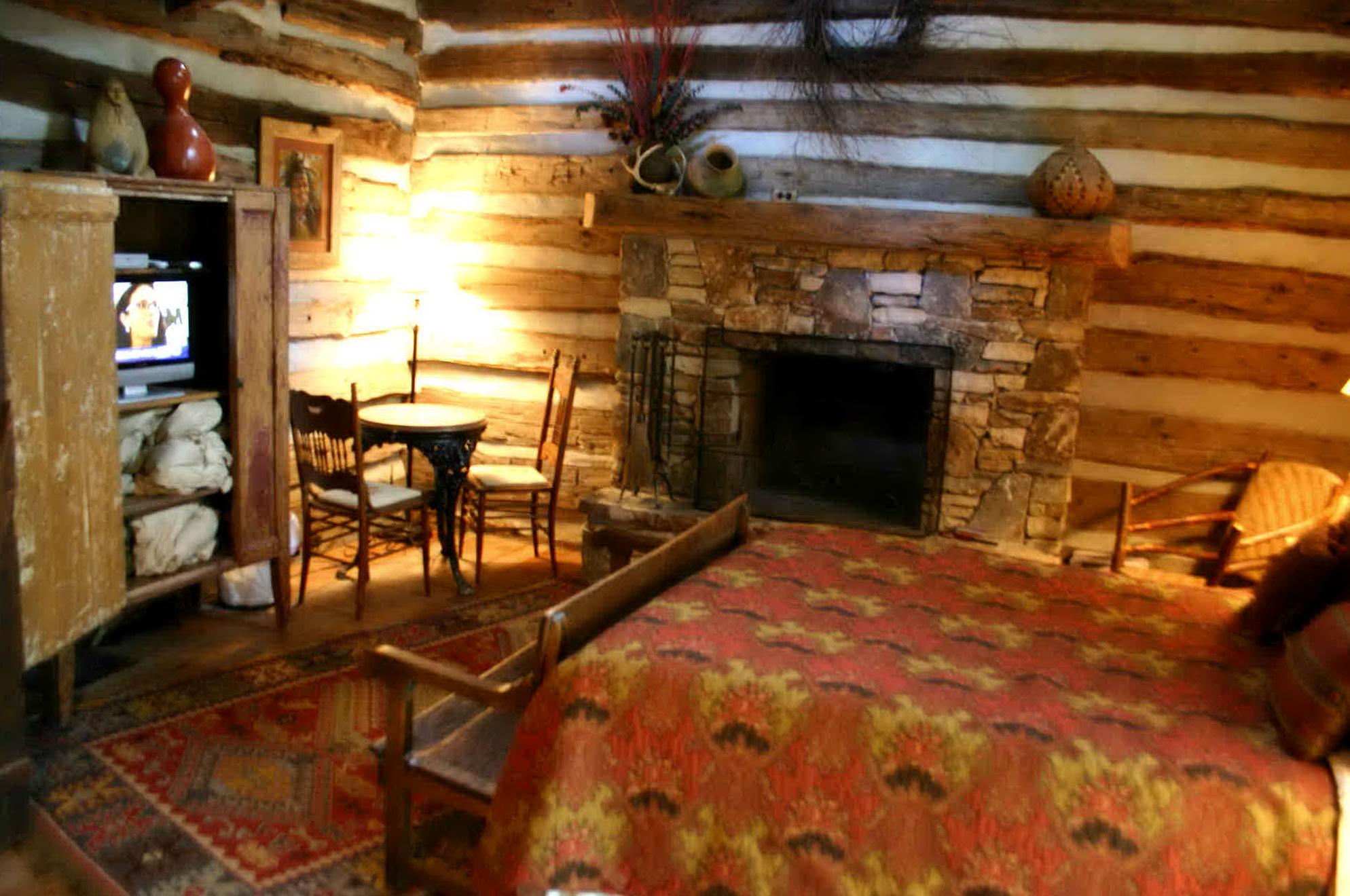 Rustic Bedroom Furniture Sets