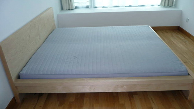 Alaskan King Bed For Sale