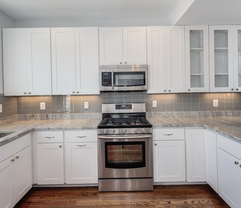 Backsplash For Kitchen With White Cabinet