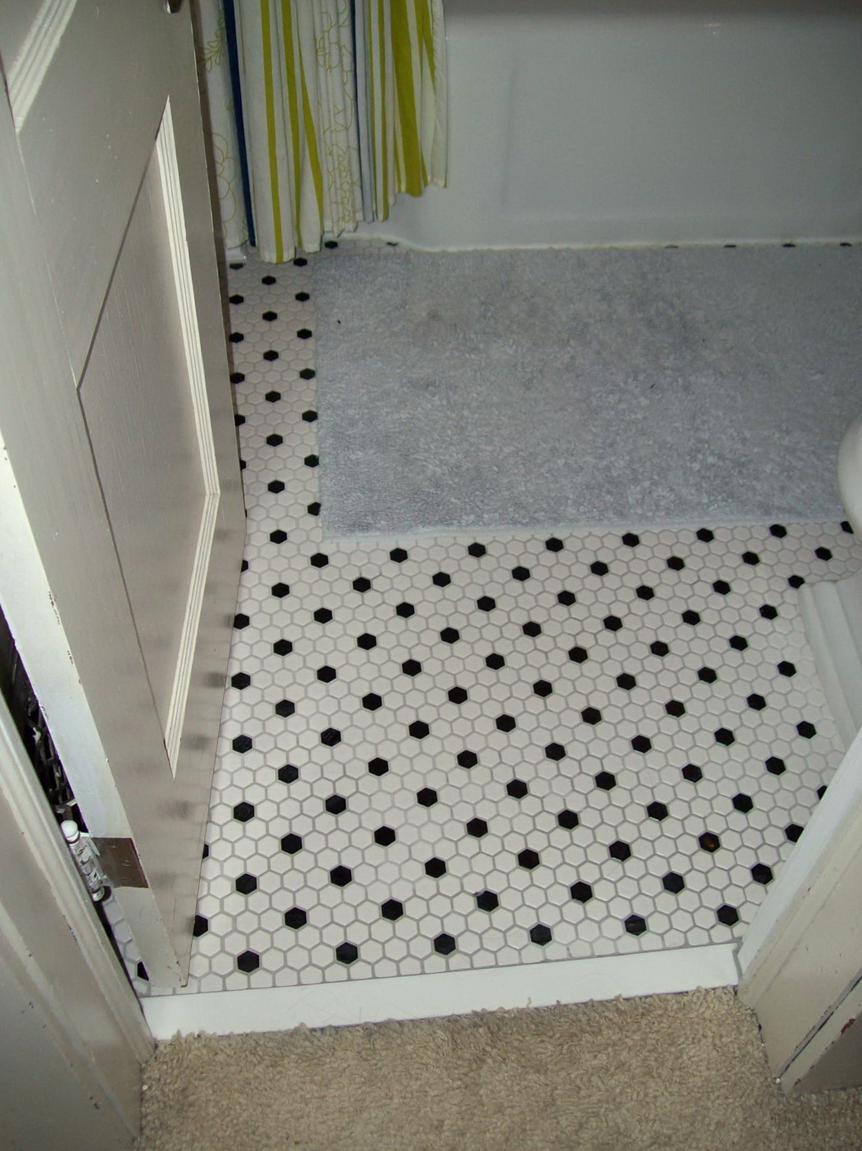 Bathroom Floor Tiles Honeycomb