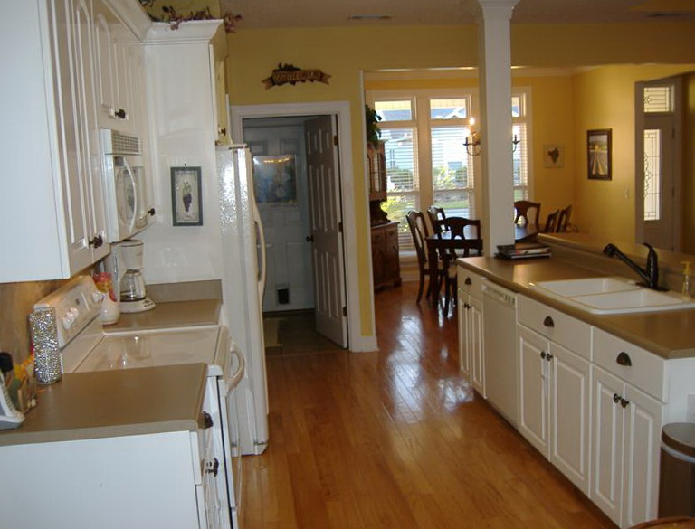 Best Flooring For Kitchen And Foyer