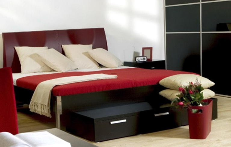 Black And Red Bedroom Ideas