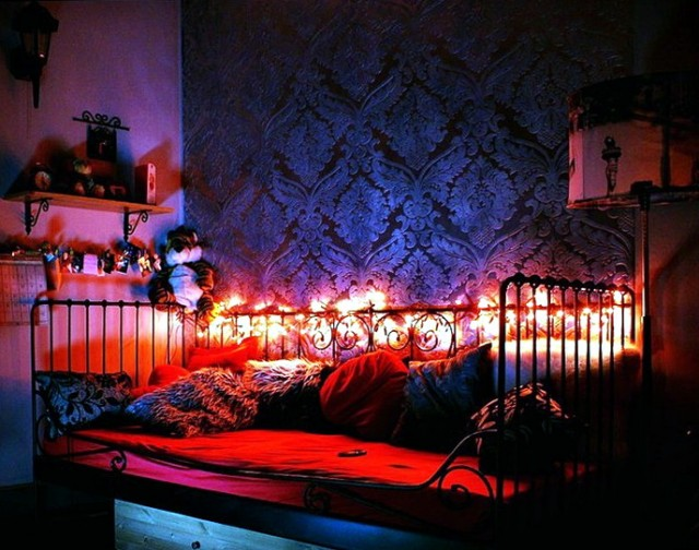 Cool Teenage Girl Bedrooms With Christmas Lights