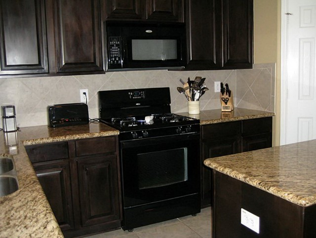 Dark Kitchen Cabinets With Black Appliances