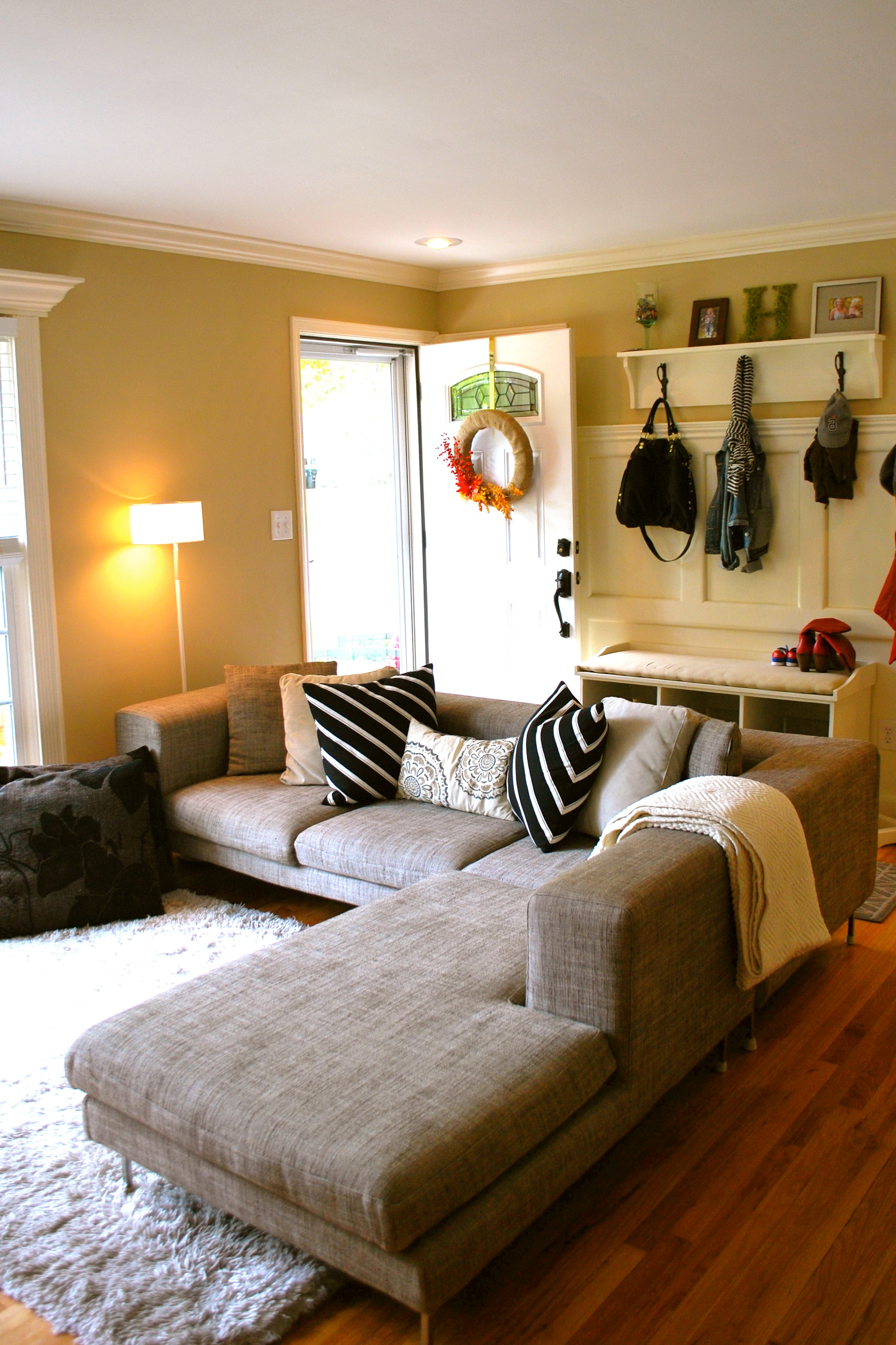 Decorating Living Room With Color
