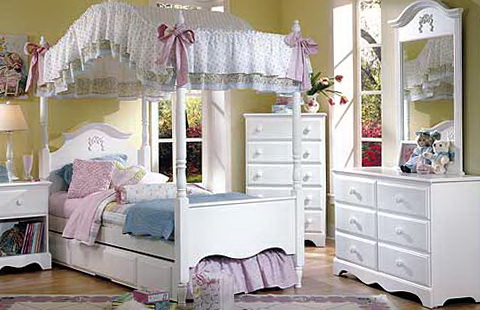 Girls Canopy Bedroom Sets