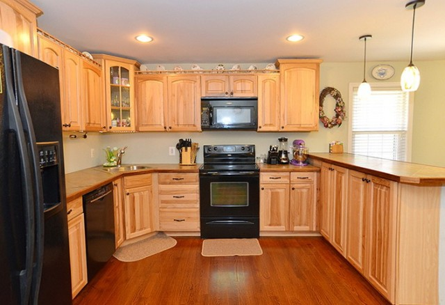 Hickory Kitchen Cabinets With Black Appliances