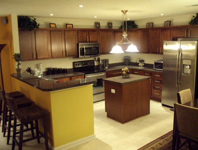Kitchen Islands With Seating For Sale
