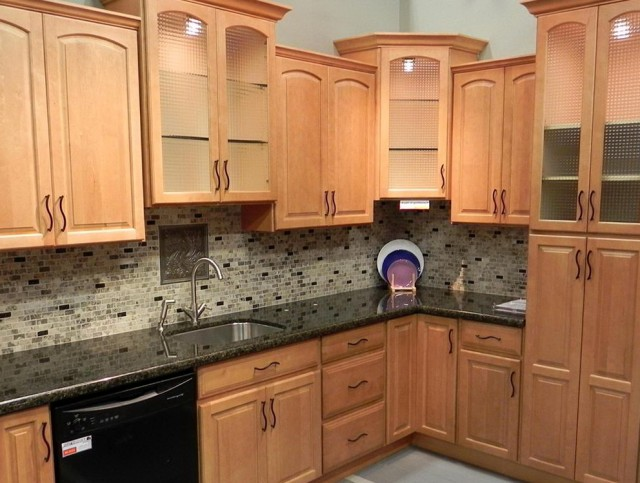Kitchen Wall Colors With Maple Cabinets