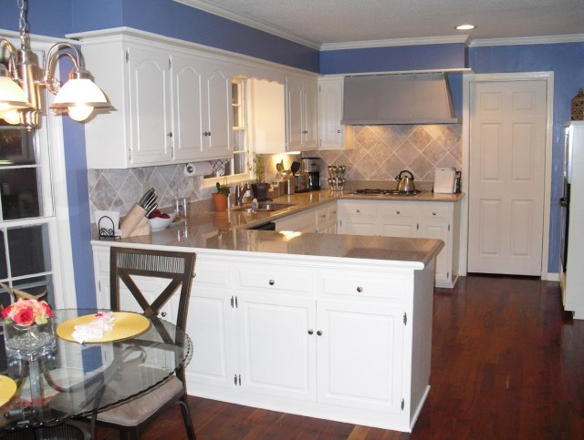 Kitchens With White Cabinets And Blue Walls