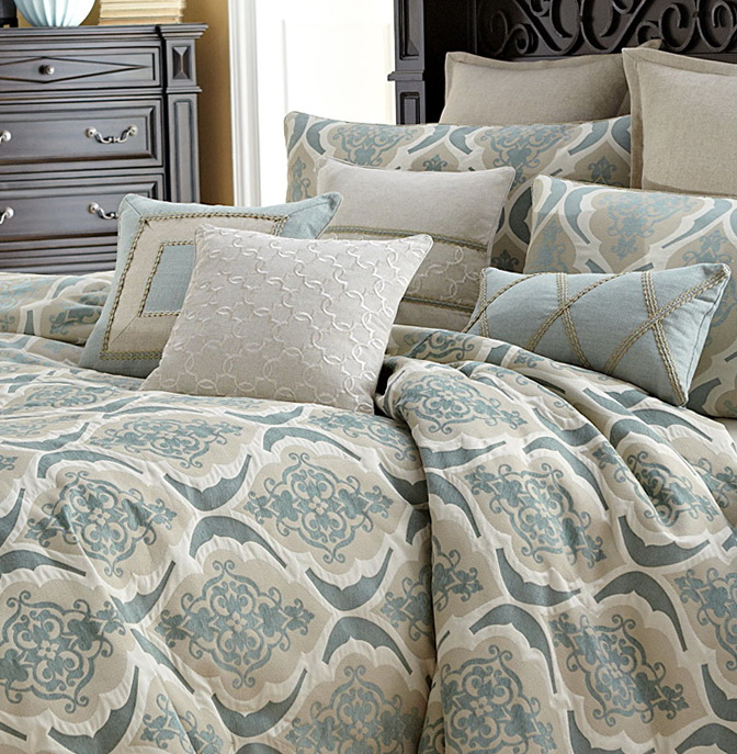 Michael Amini Bedding Reviews