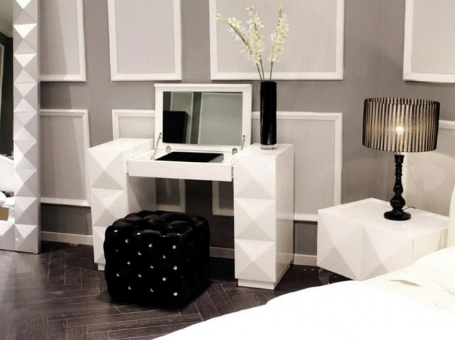 Modern Bedroom Vanity Set
