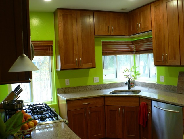 Oak Kitchen Cabinets With Green Walls