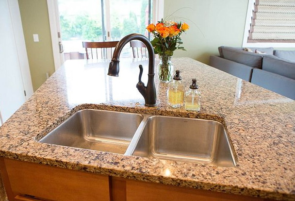 Oil Rubbed Bronze Kitchen Faucet With Stainless Sink