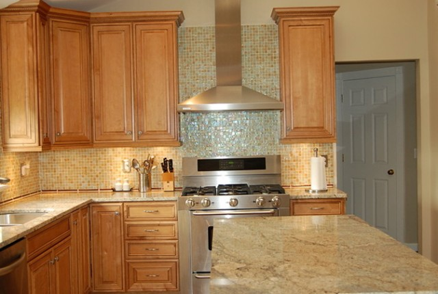Paint Colors For Kitchen With Maple Cabinets