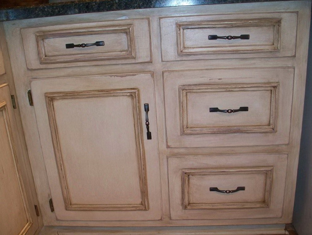 Painting Kitchen Cabinets White With Glaze