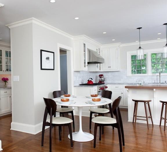 Round Kitchen Table Centerpieces