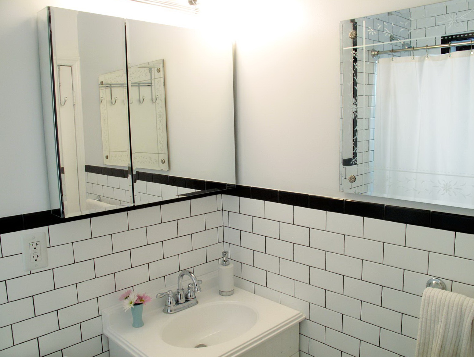 Subway Tile Bathroom Dark Grout