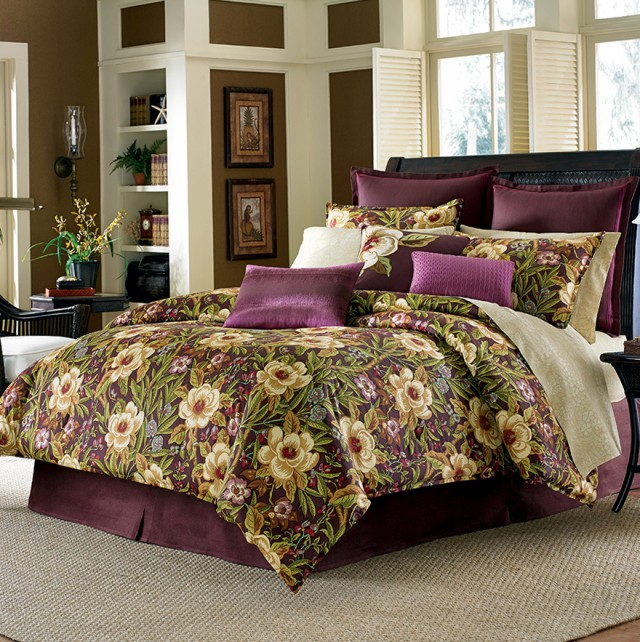 Tommy Bahama Bedding Set
