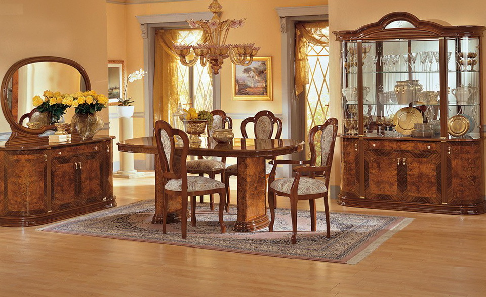 Traditional Kitchen Dining Sets