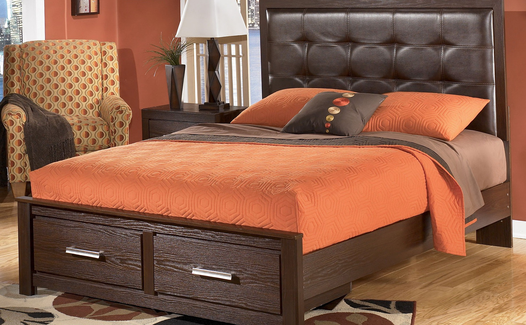 Upholstered Queen Bed With Storage
