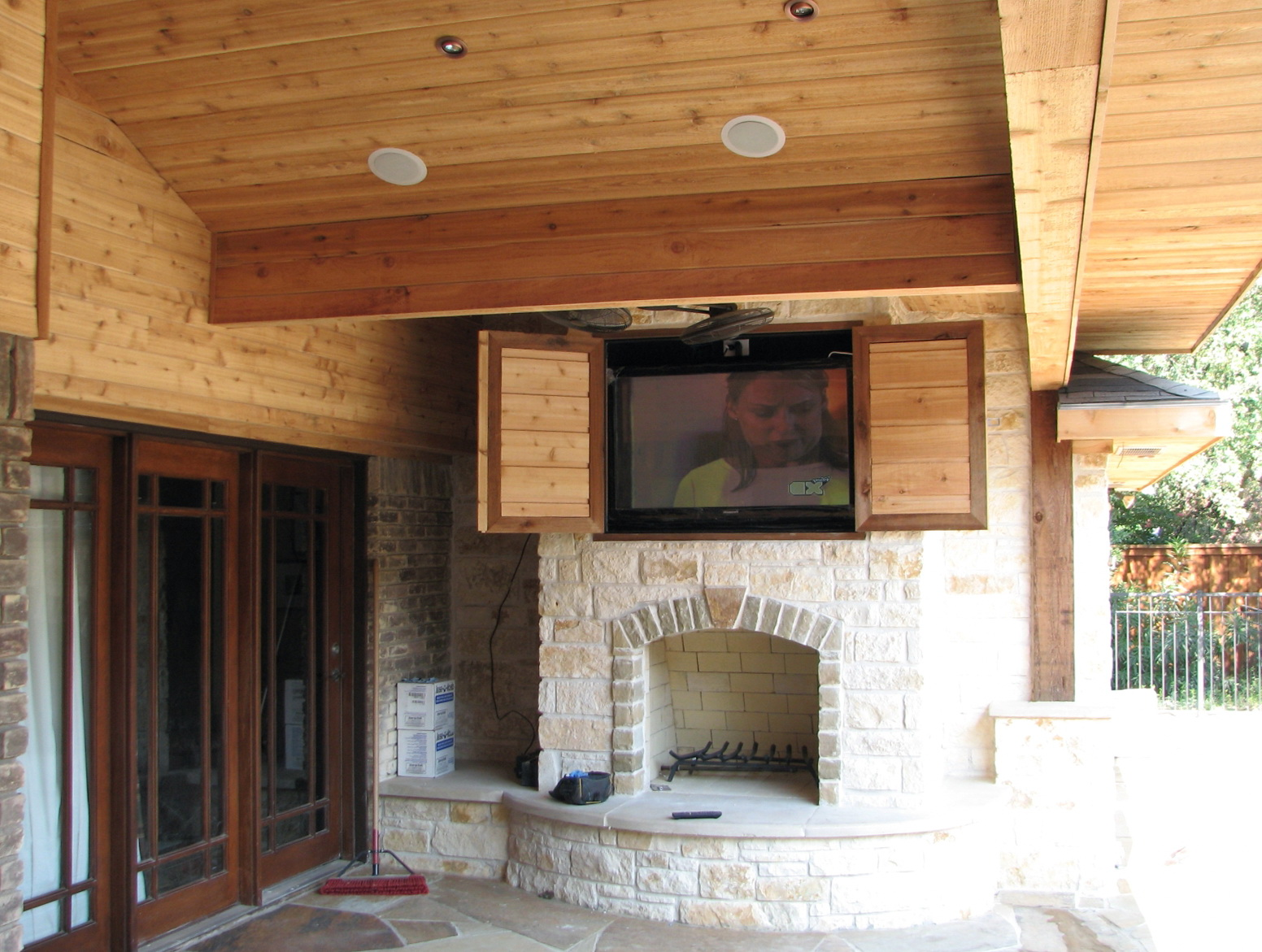 Weatherproof Outdoor Tv Cabinet