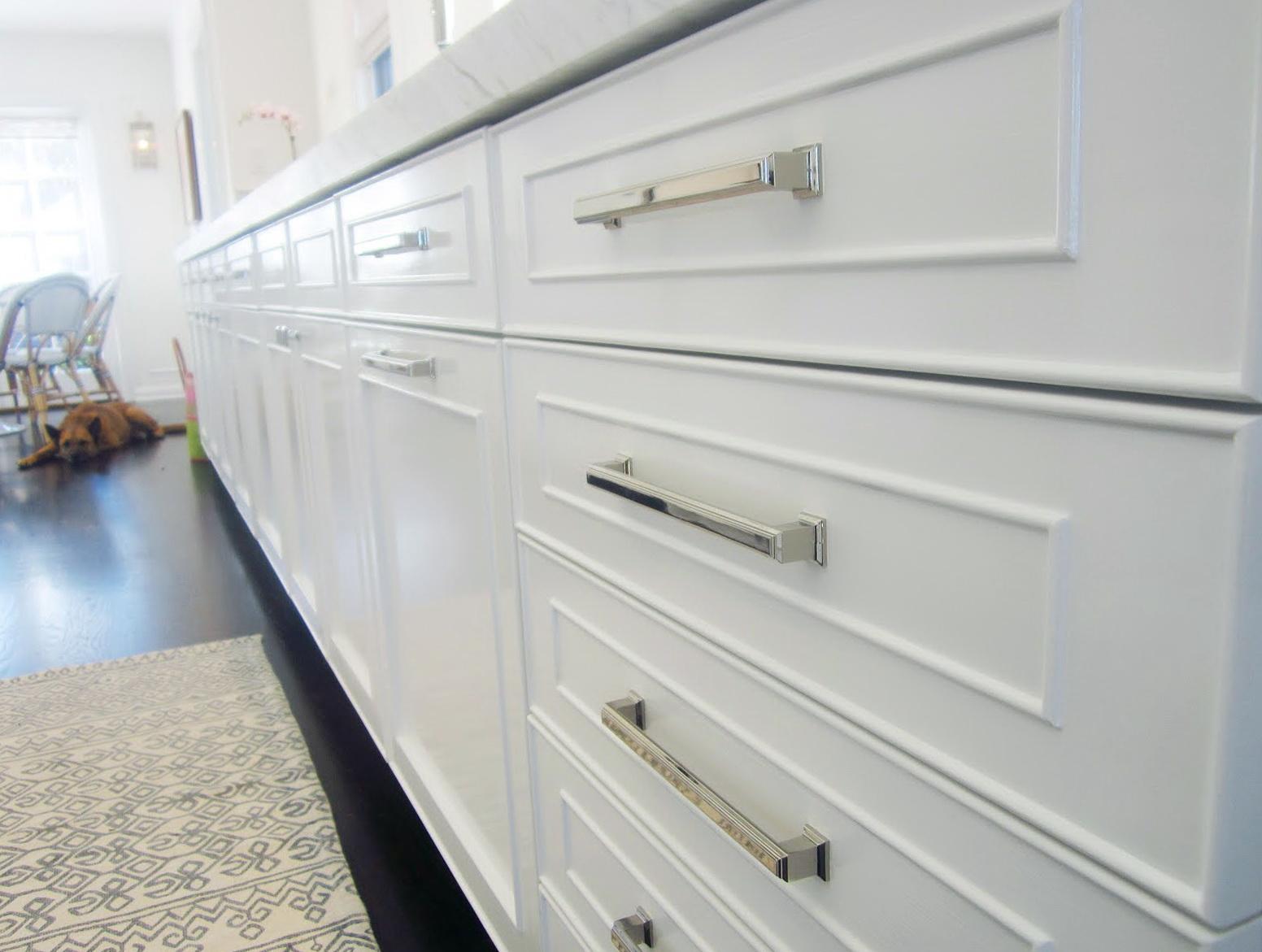White Kitchen Cabinet Pulls