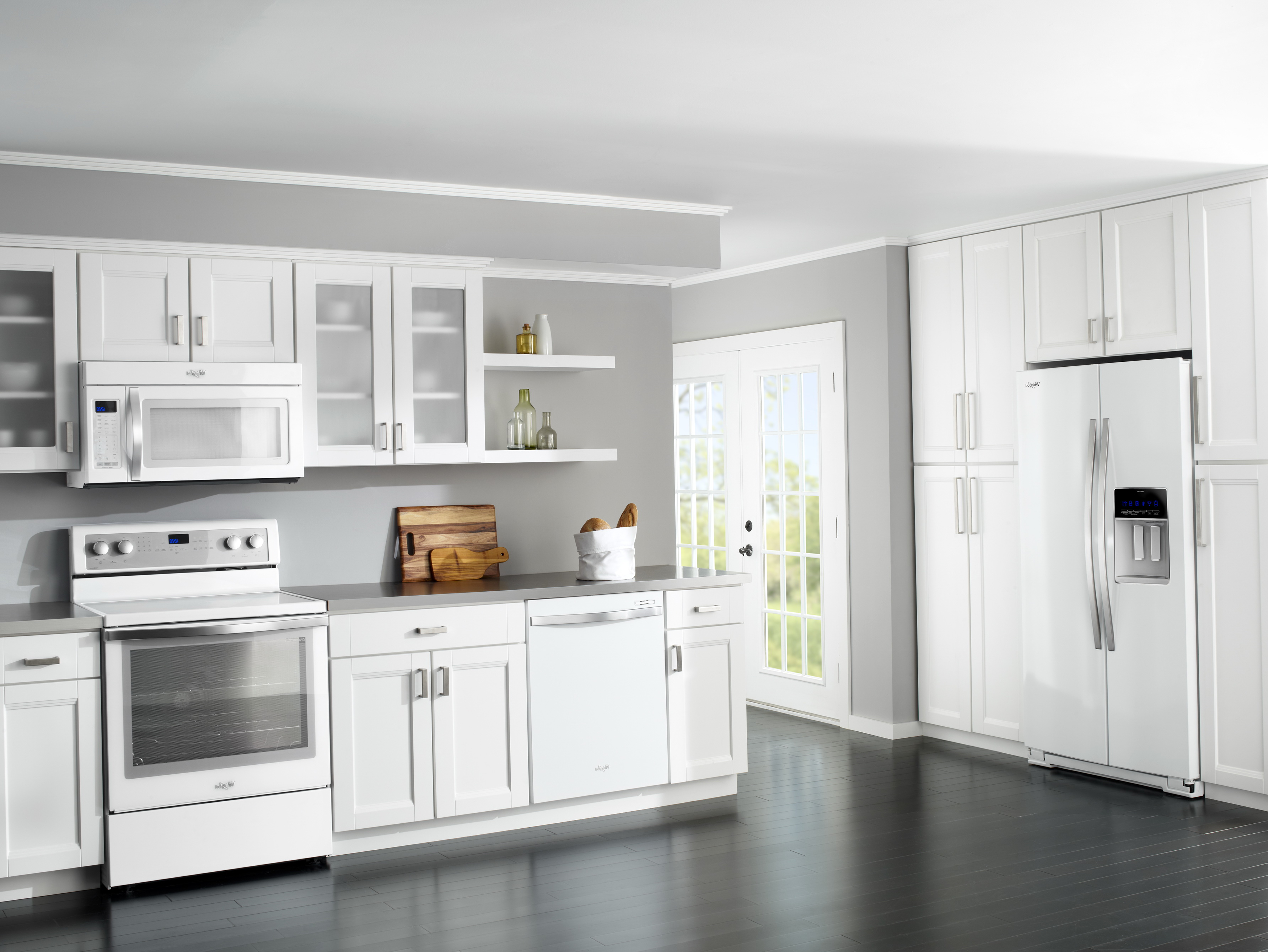 White Kitchen Cabinets With White Appliances