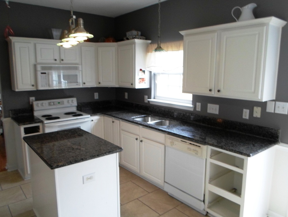 White Shaker Cabinets With Black Granite
